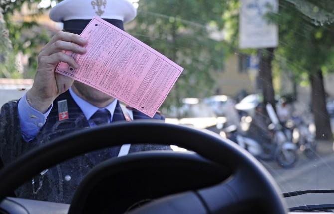 Multe Comuni: 1° luglio stop Equitalia, cosa cambia e chi si occuperà della riscossione