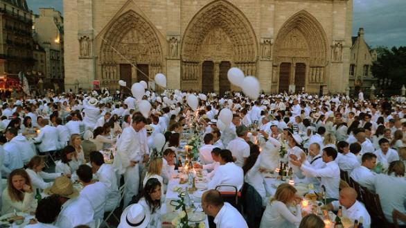 Cena in bianco a Bari programma e giorno dell'evento
