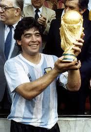 Maradona e il gol più bello segnato nel 1980 dal fuoriclasse argentino