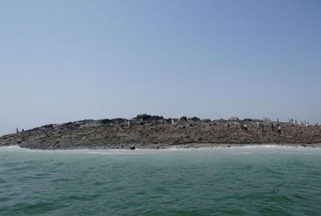 Terremoto Pakistan: molti morti e in mare cento metri dalla costa spunta un isolotto