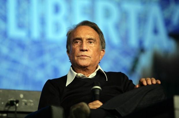 Emilio-Fede-racconta-la-sua-vita-al-meeting-internazionale-di-Andria