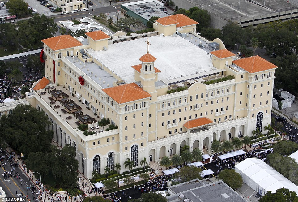 Scientology nuova gigantesca cattedrale a Clearwater in California
