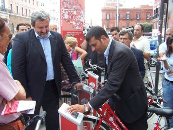 Elezioni Comunali Bari 2014: duello Di Paola-De Caro, incognita Digeromino