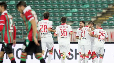 Bari Ternana: i biancorossi vincono soffrendo grazie a super Galano. Video