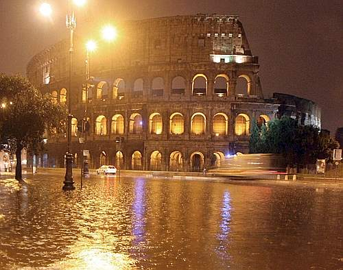 Nubifragio Roma oggi video: ultime notizie situazione metro, GRA e piena Tevere