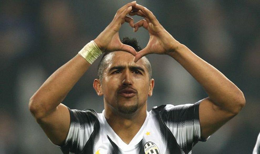 Calciomercato Inter, i tifosi del barca scaricano Arturo Vidal, il cileno vicinissimo ai nerazzurri