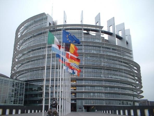Ultimi-sondaggi-politico-elettorali-Europee-2014-scendono-Pd-e-Forza-Italia-sale-M5S