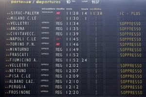 Sciopero-treni-domani-12-e-13-aprile-info-orari-di-stop-Trenitalia-e-Trenord