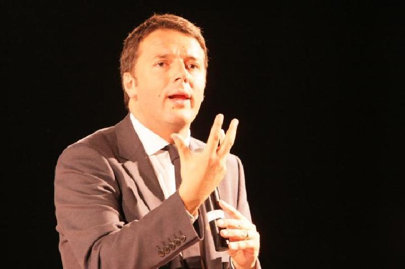 Comizio oggi Matteo Renzi a Bari diretta Youdem streaming