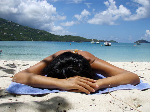 I raggi del sole abbassano la pressione sanguigna diminuendo i rischi di infarto e ictus