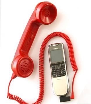 Agcom-telefonia-mobile-boom-internet-calo-sms-profondo-rosso-linee-fisse