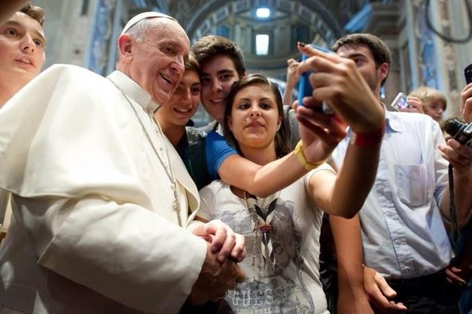 In Italia è record di selfie al giorno sono più di un milione