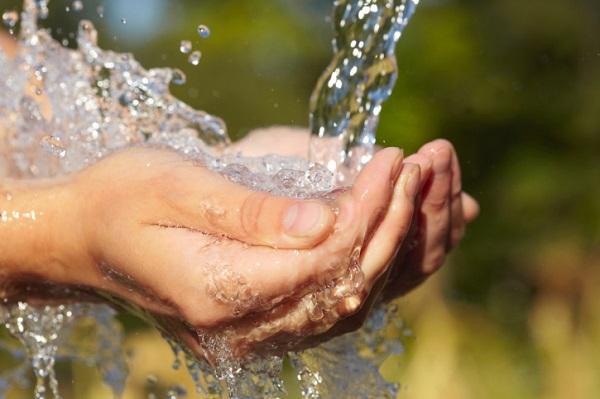 Acquedotti italiani sono un colabrodo persi 100mila litri - Centralina acqua per casa ...