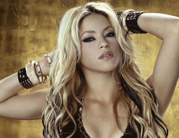 Shakira personaggio più popolare di Facebook con 100 milioni di fan
