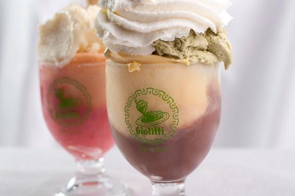Roma-tre-turisti-denunciano-di-aver-pagato-un-conto-salato- 42-euro-per-tre-gelati