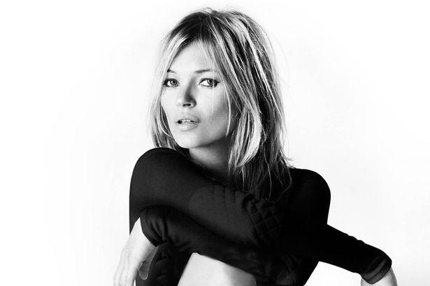 Kate Moss accende la notte di Ibiza con la sua bellezza senza età