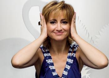 Luciana Littizzetto partecipa all' Ice Bucket Challenge per Sla scatenando polemiche per donazione