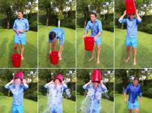 Matteo-Renzi-partecipa-all-'Ice-Bucket-Challenge-per-Sla-e-la-Codacons-polemizza