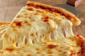 Mozzarella è il top dei formaggi per la nostra pizza