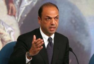 Terrorismo-il-ministro-Alfano-io-manderò-i-miei-figli-in-gita-scolastica