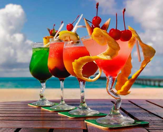 Dieta: le bevande alcoliche e gli energy drink sono da scansare