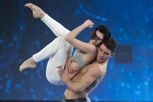Ballerina italiana al Crazy Orse è Giulia Pauselli che da Amici vola a Parigi