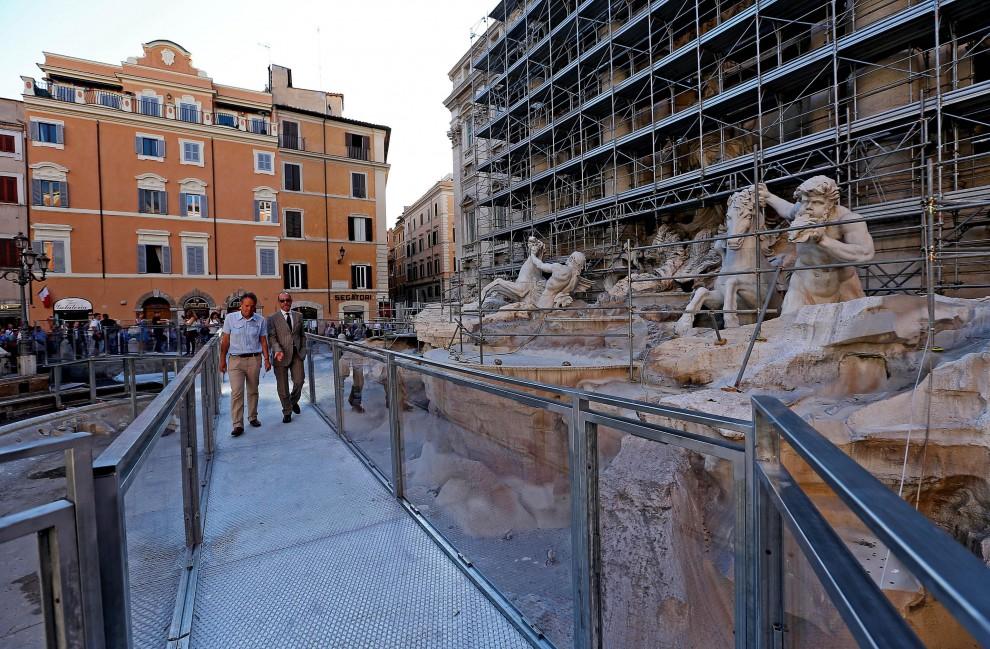 Fontana di Trevi il restauro attira turisti più 250 mila visite ed è record