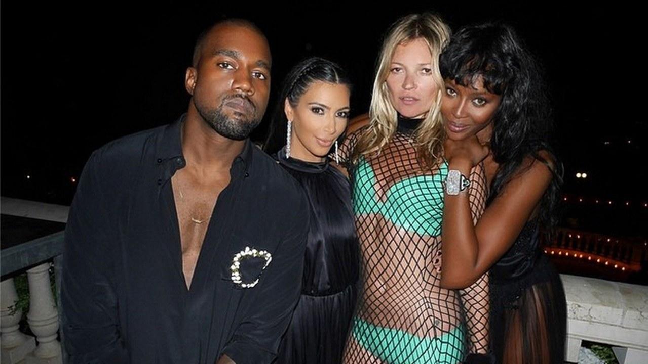 Kate Moss e Kim Kardashian accendono la notte di Ibiza con un look mozzafiato