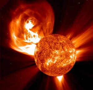 Super tempesta solare gli scienziati lanciano allarme su possibile blackout totale