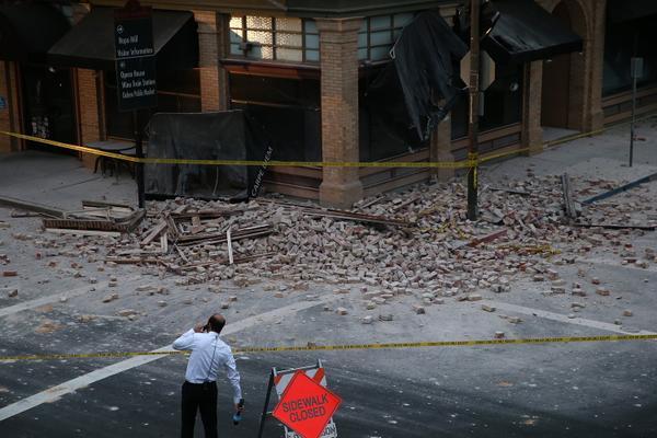 Terremoto in California molti feriti, forti scosse anche in Perù e Cile