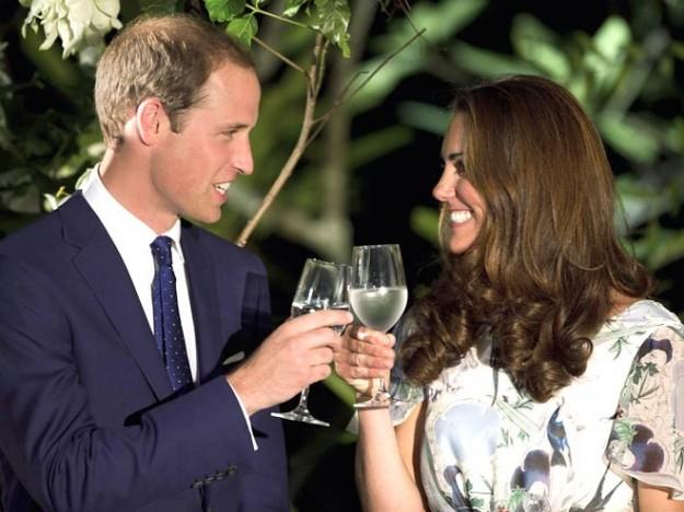 William-decide-di-lavorare-come-pilota-e-di-vivere-con-Kate-in-campagna