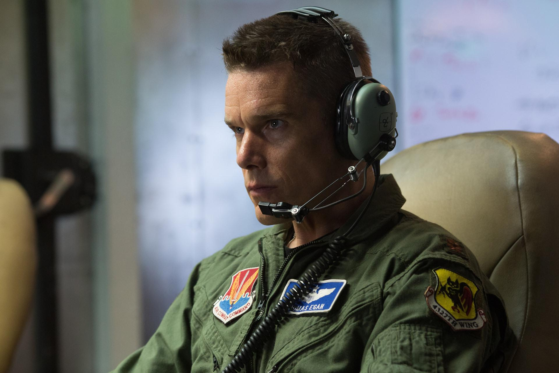 """""""Good Kill"""", Ethan Hawke interpreta ex pilota che ora comanda un drone"""