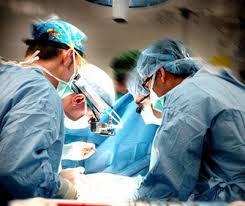 Terni scandalo per mazzette richieste da chirurgo per anticipare intervento