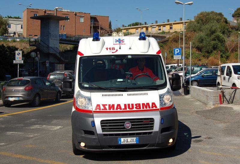 Bari, violento incidente in viale Tatarella, tre sono le persone ferite