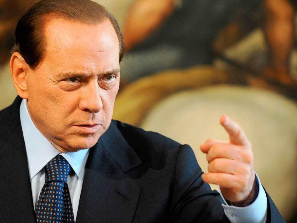 Silvio berlusconi medita al rilancio di forza italia con for Deputati di forza italia