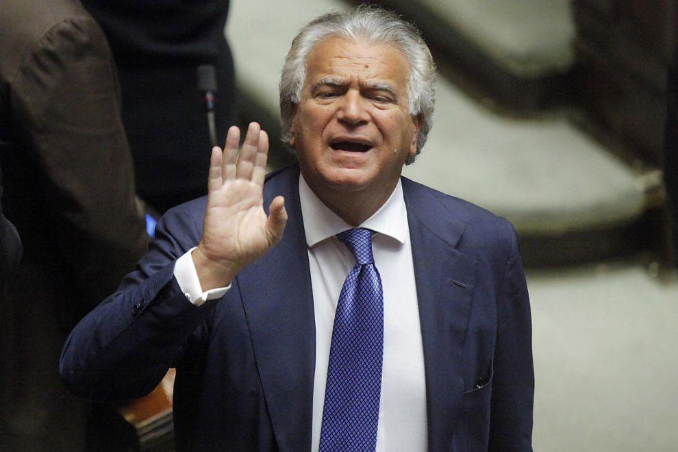 Denis Verdini rinviato a giudizio per compravendita di palazzina a Roma