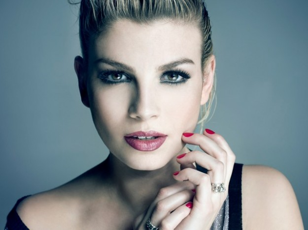 Emma Marrone vacanze d'amore ad Ibiza con Borriello