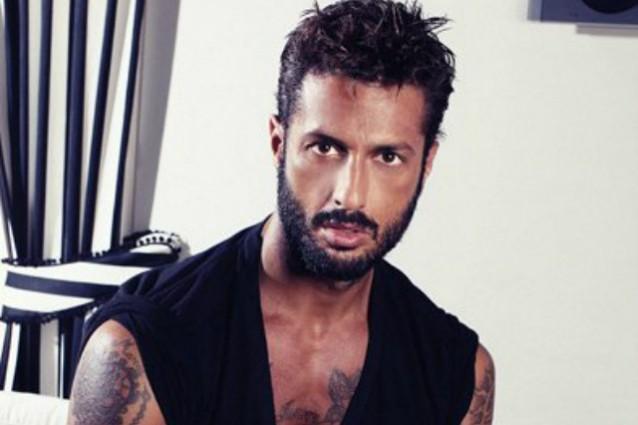 Fabrizio Corona è irriconoscibile, chiede di scontare pena a casa