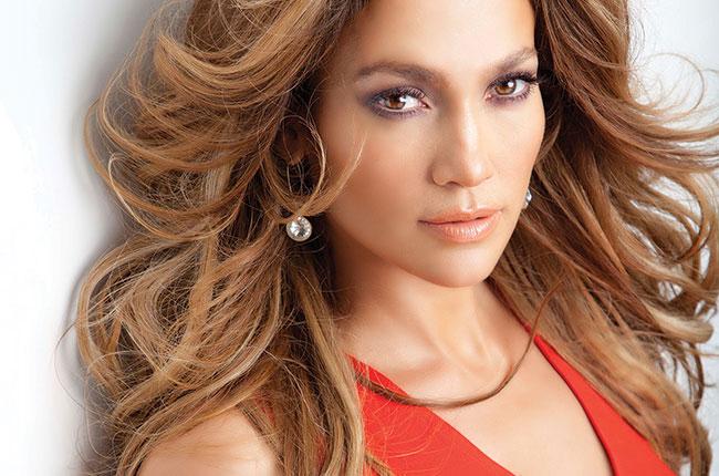 Jennifer-Lopez-festeggia-il-suo-compleanno-con-abito-sexy