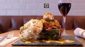 """Londra-ideato-il-""""Glamburger""""-panino-dei-record-costa-1400-euro"""