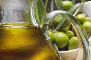 Olio-extravergine-di-oliva-previene-il-cancro-al-seno
