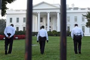 Sicurezza-Casa-Bianca-è-caos-Usa-uomo-armato-in-ascensore-con-Obama