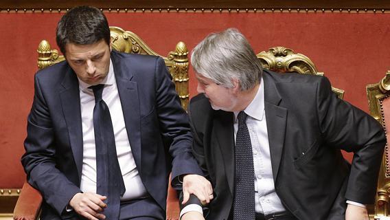 """Mafia a Roma, Renzi """"Uno schifo per chi ha rubato nessuno sconto"""""""