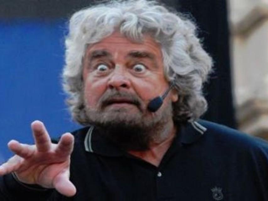 <b>Beppe-Grillo</b>-non-è-caduto-in-disgrazia-ha- - Beppe-Grillo-non-%C3%A8-caduto-in-disgrazia-ha-un-reddito-di-7500-euro-mensili