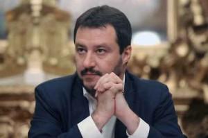 Berlusconi-si-a-Salvini-leader-centrodestra-ma-Fitto-e-Tosi-non-ci-stanno