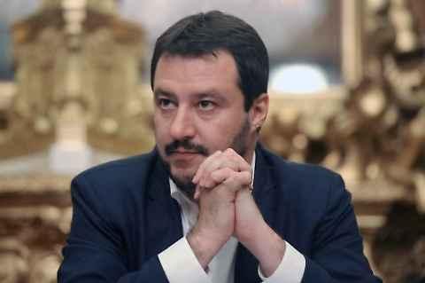 Berlusconi si a Salvini leader centrodestra, ma Fitto e Tosi non ci stanno