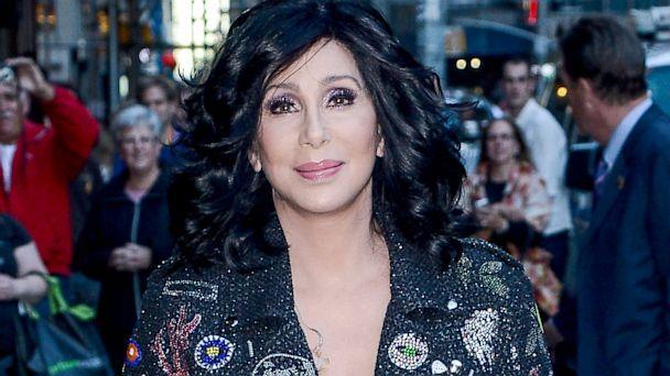 Cher shock, rinviati 22 concerti per grave infezione ai reni