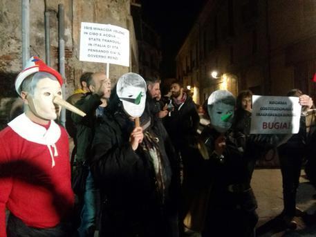 Cosenza-dura-contestazione-al-premier-Matteo-Renzi-tre-poliziotti-feriti