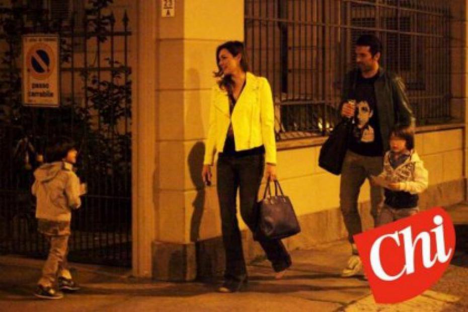 Ilaria D'Amico in dolce attesa si esercita con i figli di Gigi Buffon