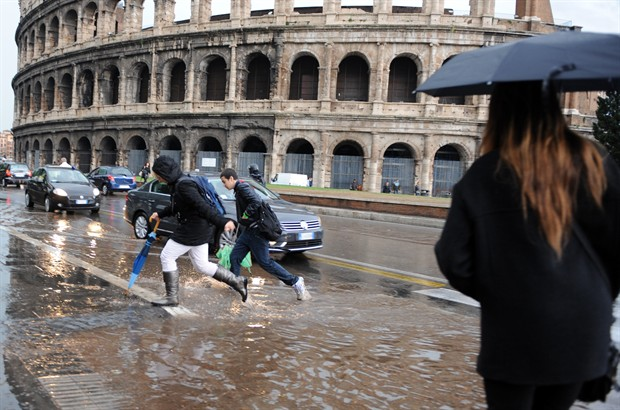 Maltempo Roma oggi: ultimi aggiornamenti e news scuole